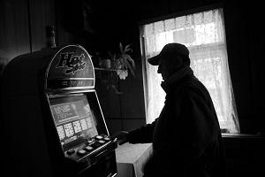 Onderzoek Nieuwsuur: illegaal gokken gebeurt vooral in Turkse theehuizen